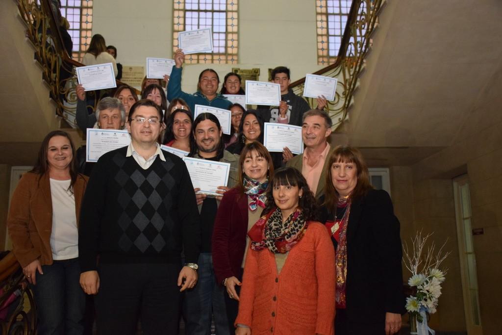 Sarasola entreg certificados de cursos de formaci n for Cursos de ayudante de cocina
