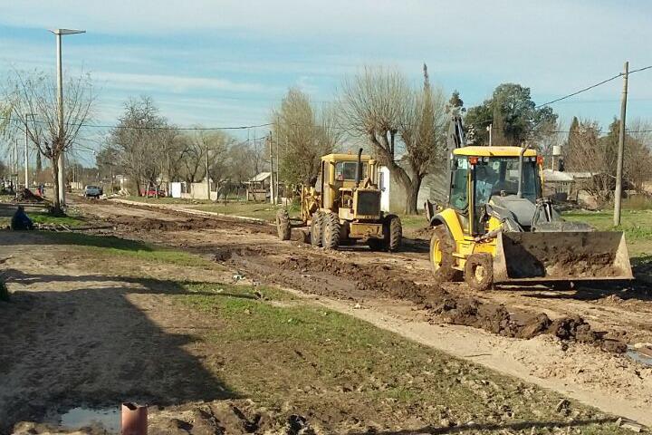 20160808-Comenzaron los trabajos de pavimentación en Villada 2