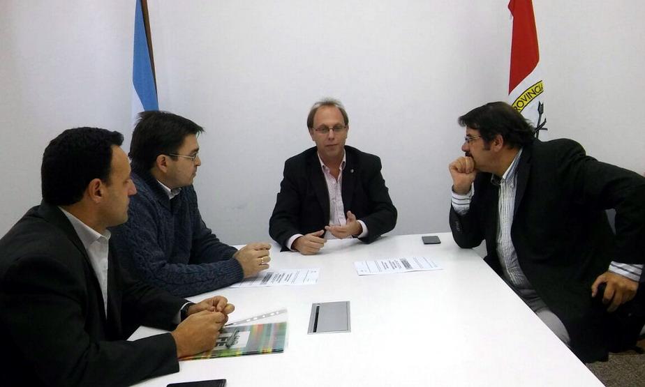Sarasola firmó convenio para refaccionar el Dispensario Alberdi