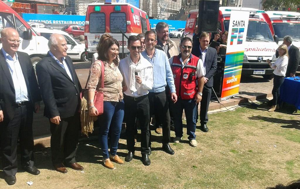 Lifschitz entregó una nueva ambulancia a la ciudad